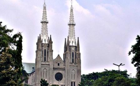 Tempat Bersejarah di Indonesia - Gereja Katedral