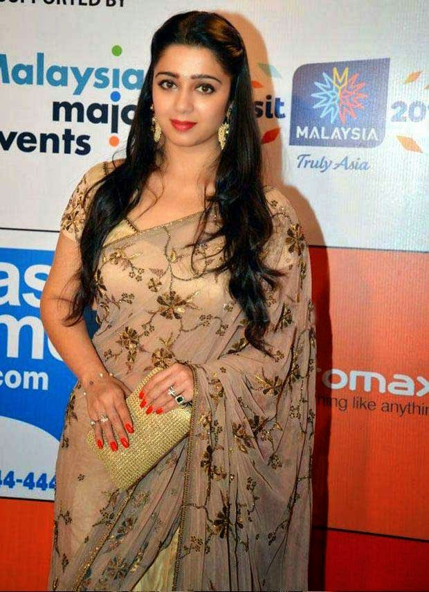 Charmi Kaur In Saree At SIIMA Awards 2014