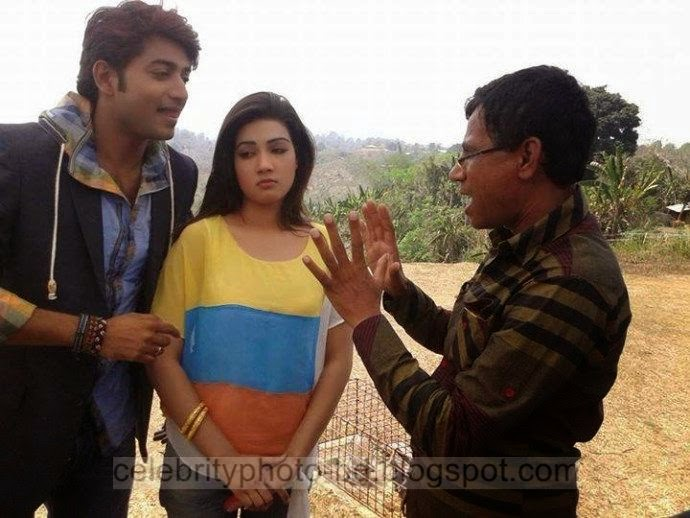 Mahiya+Mahi+and+Bappy+Chowdhury's+Some+Romantice+Hot+Photos+Latest+Collection+From+Bangla+Movie+Honeymoon+(2014)017