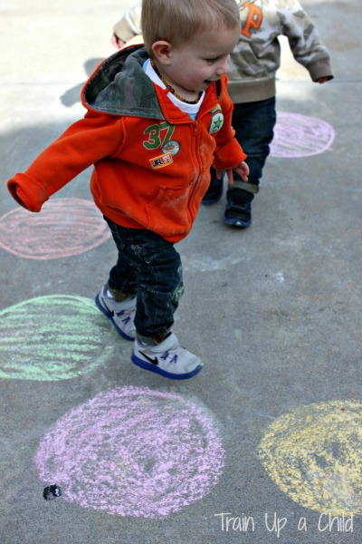 Gross Motor Activity for Toddlers {Color Recognition ...