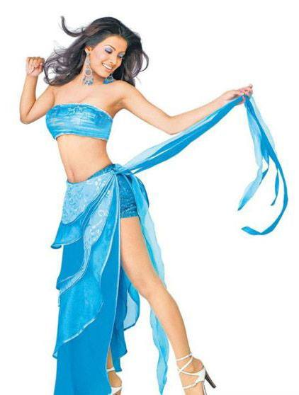 Geeta Basra hot in Dil Diya Hai Movie, Geeta Basra hot legs, Geeta Basra in high heels, Geeta Basra sexy in blue dress, Geeta Basra hot figure, Harbhajan Singh hot wife pics