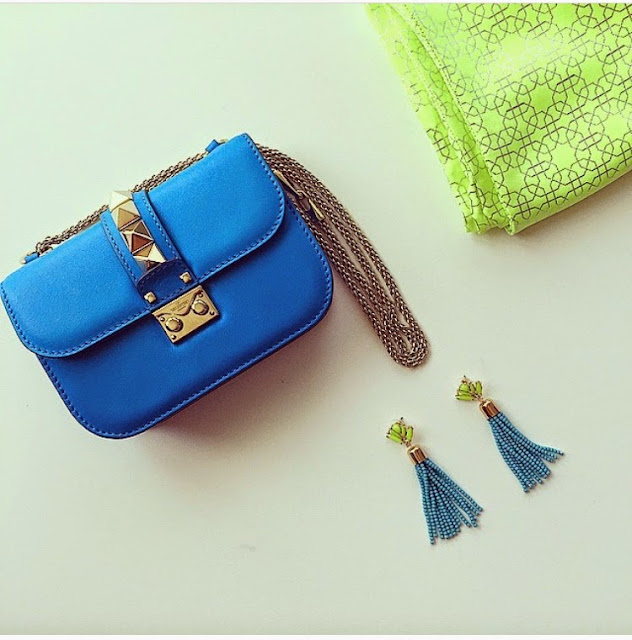 valentino lock bag, bauble bar acid tassel drop earrings, tassel earrings, fashion blog