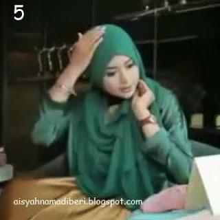 Cara Memakai Jilbab Kreasi Jilbab Pashmina Shifon Ceruti Simple Glamour