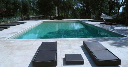Cemento pulido en las zonas exteriores y piscinas for Cemento pulido precio