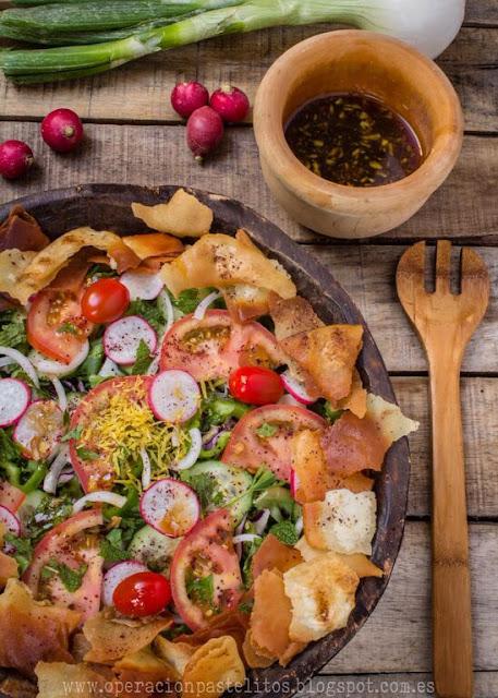 ensalada-hortalizas-sumac-pan-frito