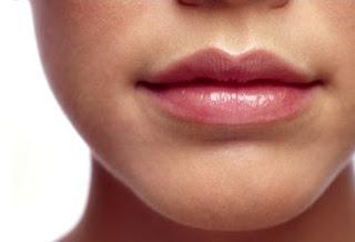 Bibir Merah Cantik Alami
