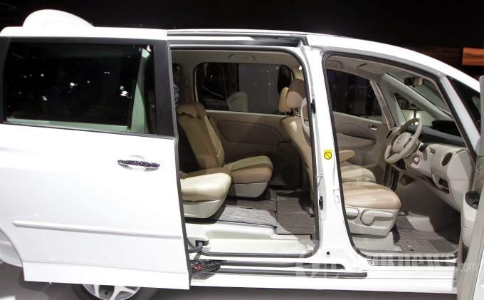 Mazda Biante SKYACTIV 2014
