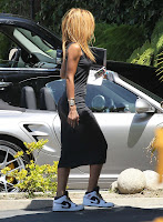 Rihanna entering a recording studio in LA