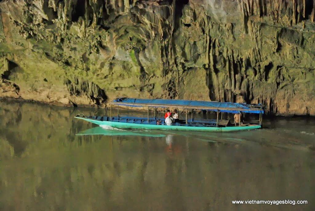 Tham quan Hang Puong trong Vườn Quốc Gia Ba Bể
