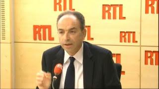 """VIDEO. Copé raille le """"zèle"""" de Valls à décourager """"La Manif pour tous"""""""