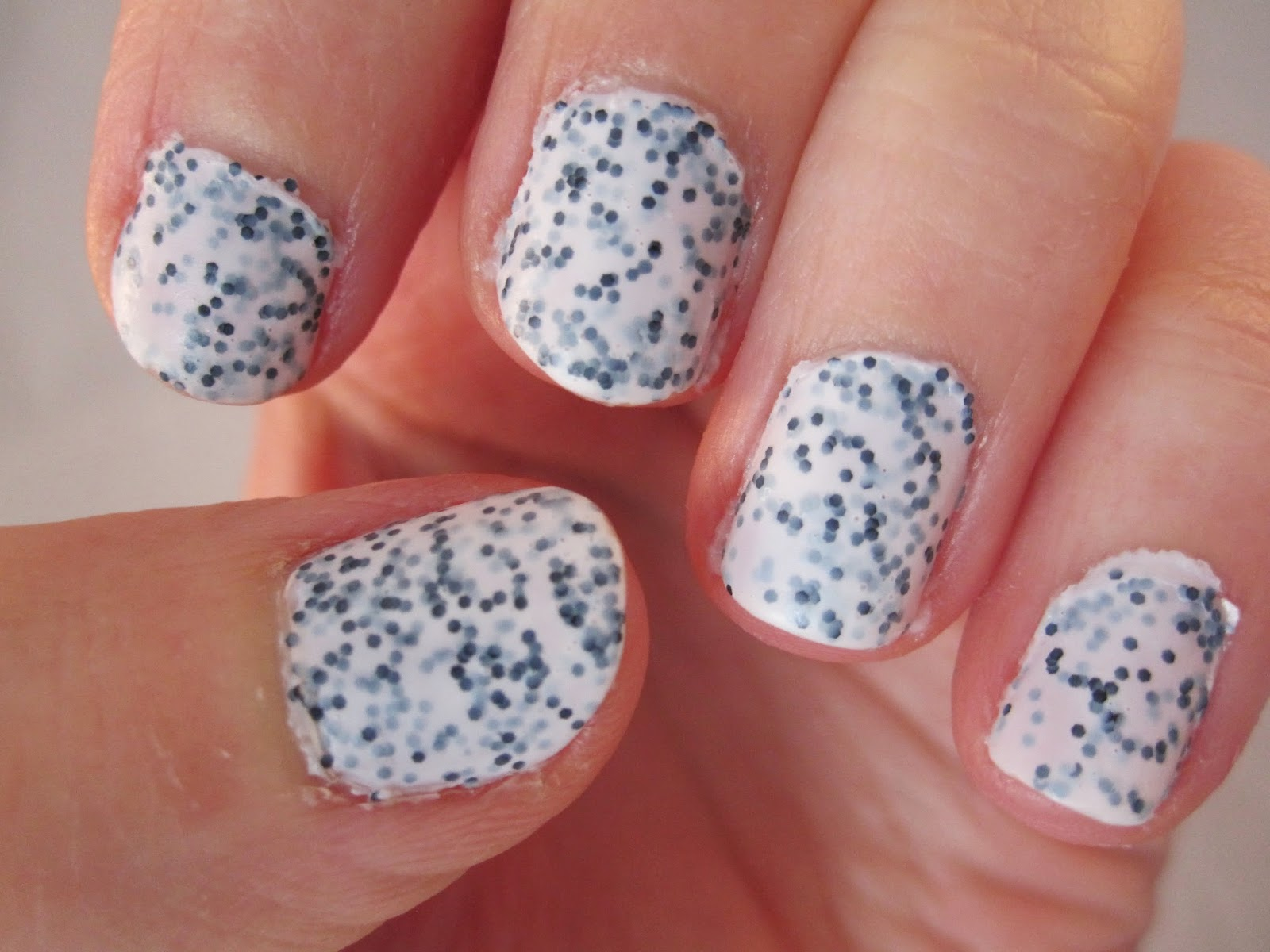 Bern\'s Nail Polish Blog: Deborah Lippmann Polka Dots and Moonbeams ...