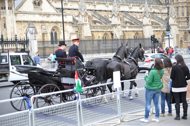 Queen+Jubilee+horse+carriage
