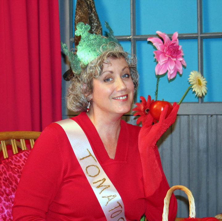 Sweet Swine County's reigning Tomato Queen admits she don't like tomatos!