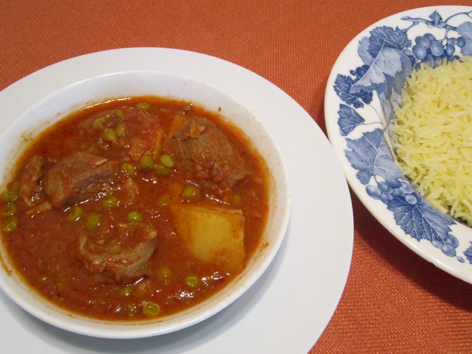 The iraqi family cookbook lamb stew with potatoes and peas lamb stew with potatoes and peas forumfinder Images