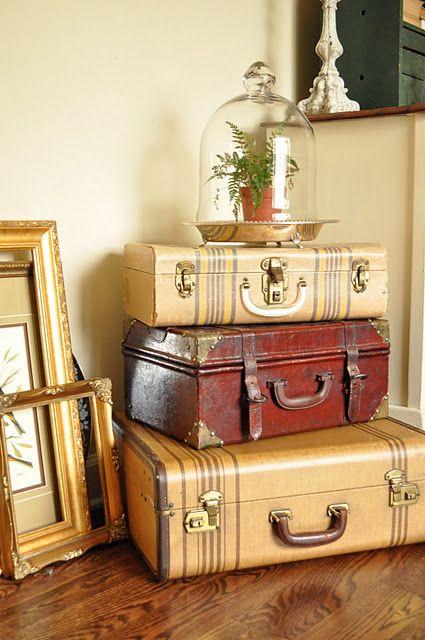 Вторая жизнь старого чемодана. Идеи для декора.