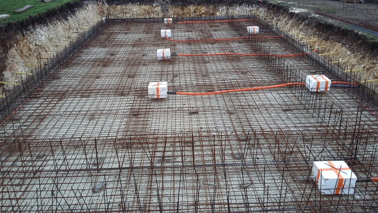 Entreprise de ma onnerie construction d 39 une piscine et for Plan piscine beton