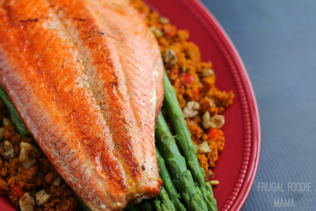 "... Foodie Mama: Pan Seared Salmon with Asparagus & Sweet Potato ""Rice"