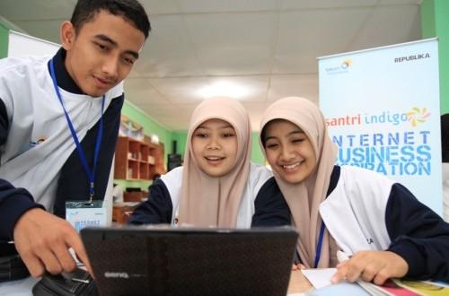 Hidayat Nur Wahid : Kontribusi Santri Diharapkan Bangsa