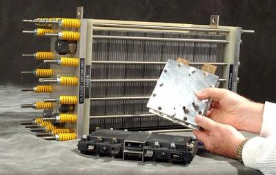 الهيدروجين وخلايا الاحتراق لإنتاج الطاقة الكهبرائية
