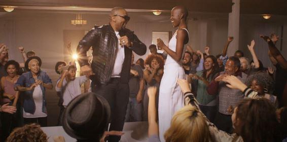 Vídeo - Timbaland – Smile (feat. V. Bozeman)