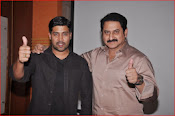 aa iddaru movie press meet-thumbnail-13