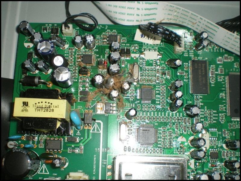 Vista de un condensador reventado