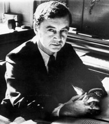 sociologist ervin goffman essay Free essay: a critical review of erving goffman's stigma in his preface goffman states his intentions to use 'popular work' on stigma as a basis for his own.