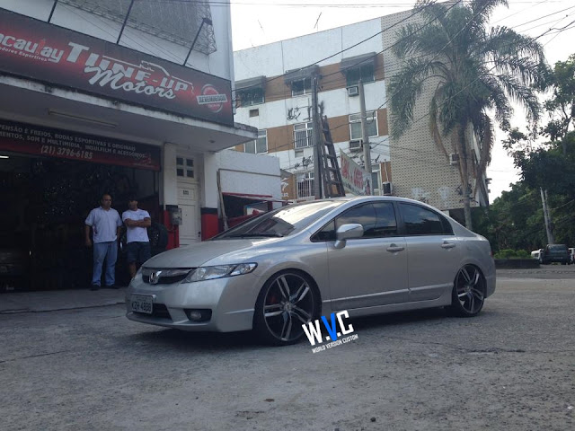 New Civic com rodas TSW aro 20""