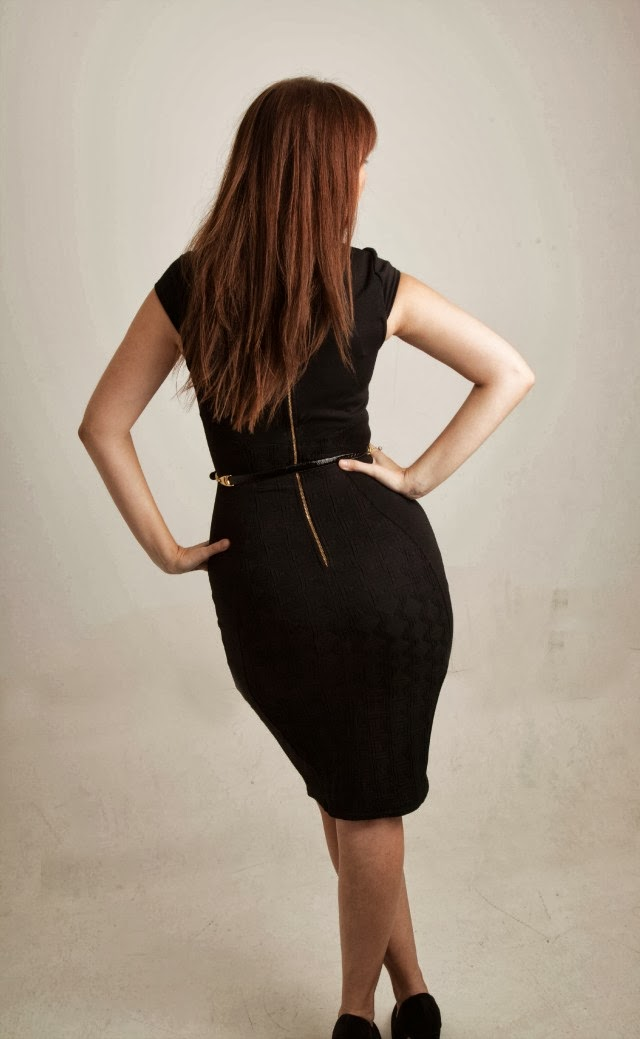 body-con-black-dress