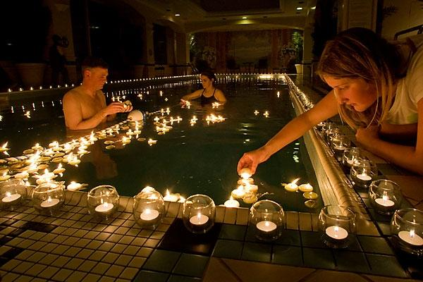 floating candles pool
