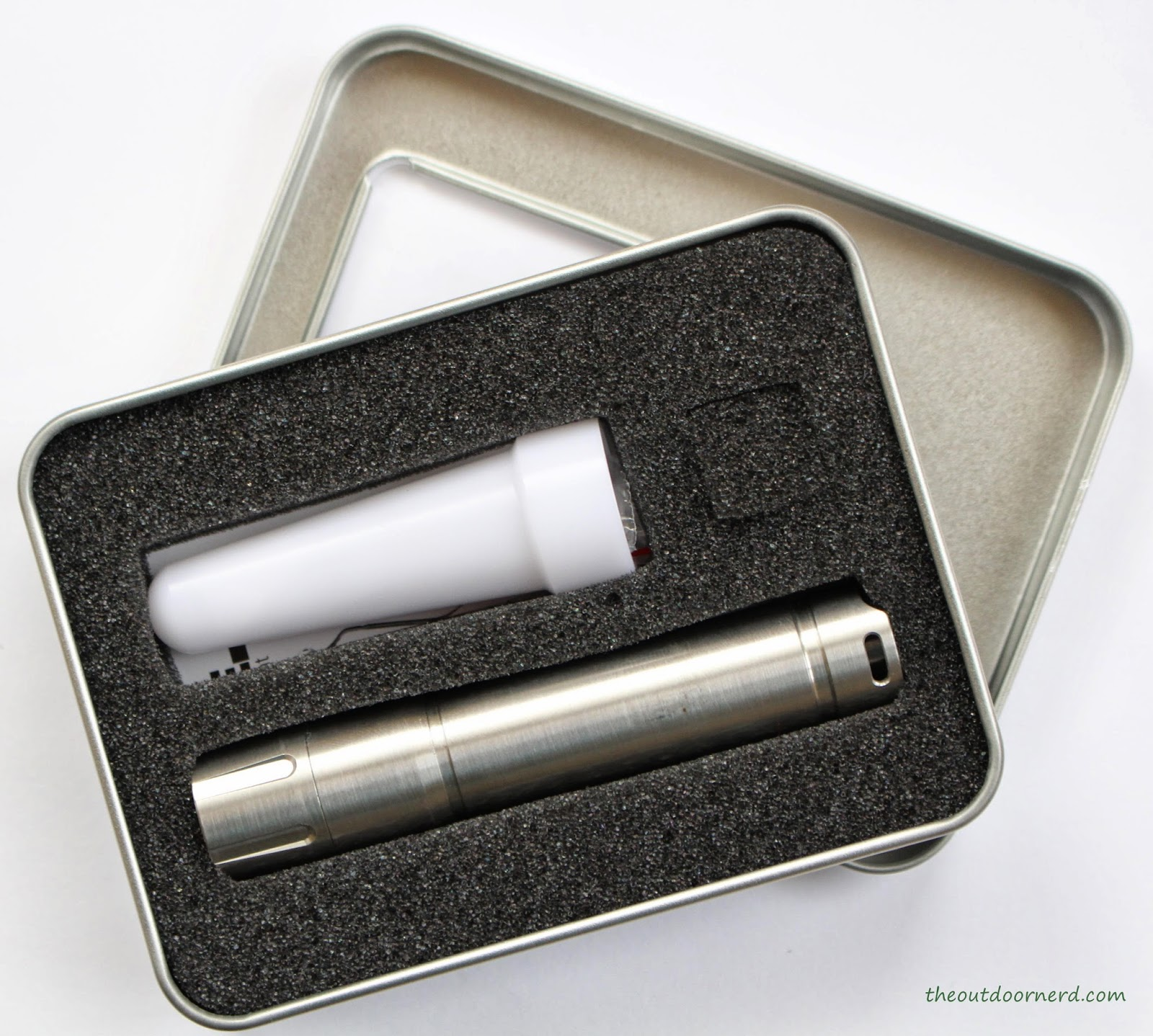 Thrunite T10S 1xAA Flashlight Packaging 2