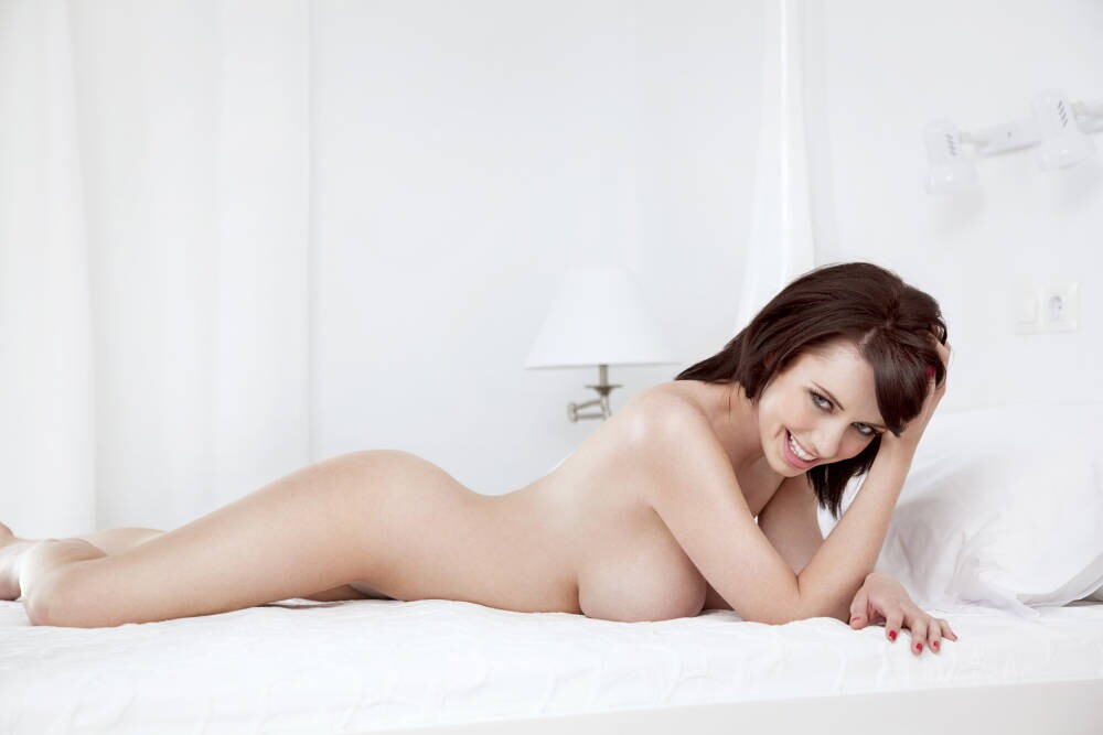 sexy sophie howard in topless sexy galleries