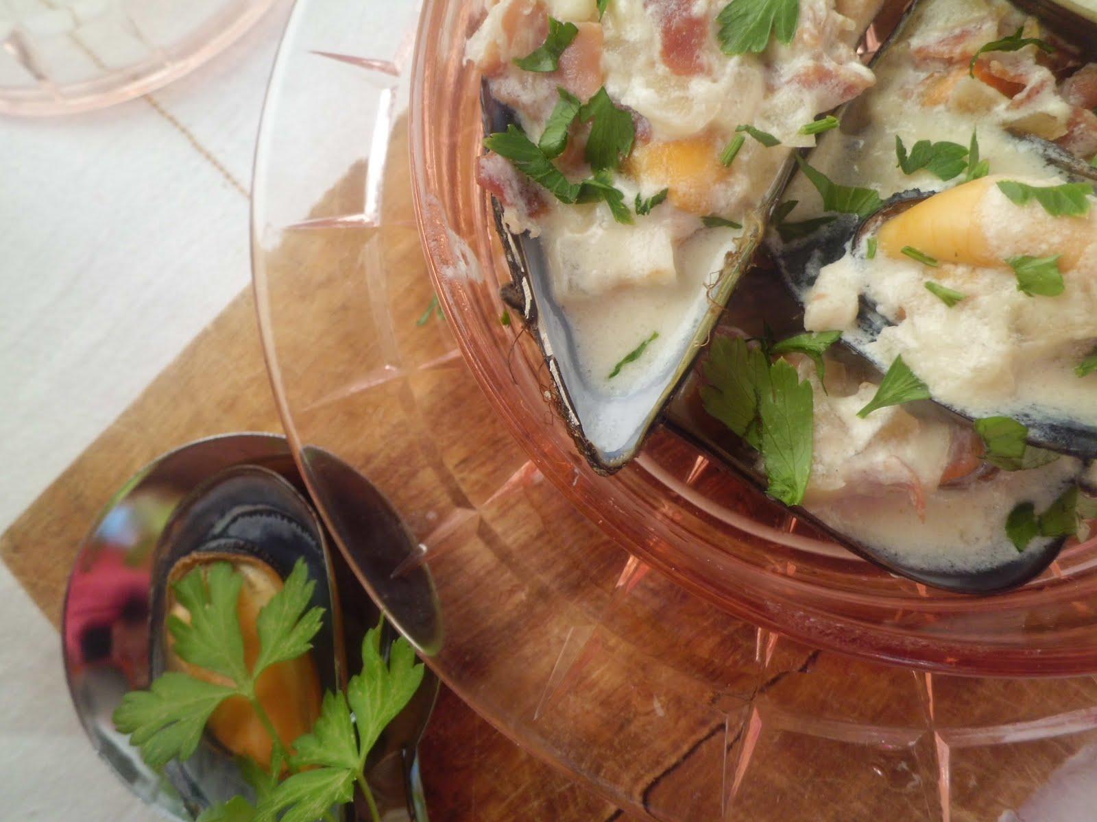 Mi adorable cocina mejillones en salsa de vino blanco for Cocinar mejillones en salsa