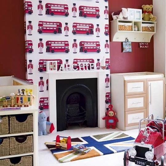 El Rojo De Londres Predomina En Esta Habitación/imagen: Homeklondike
