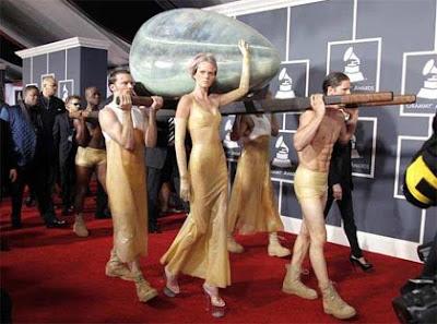 Lady Gaga en Alfombra Roja de Grammy