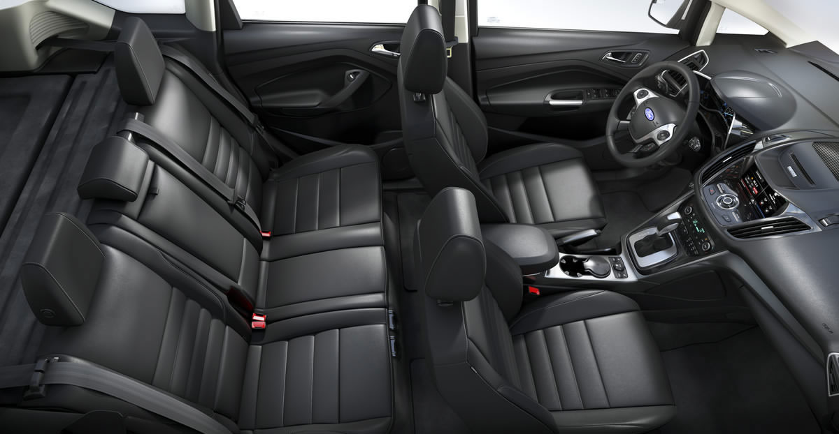 The Rear Seat Can Be Split  While The Rear Seat Cushion Comes With  Fold Down Feature Making Way For More Space