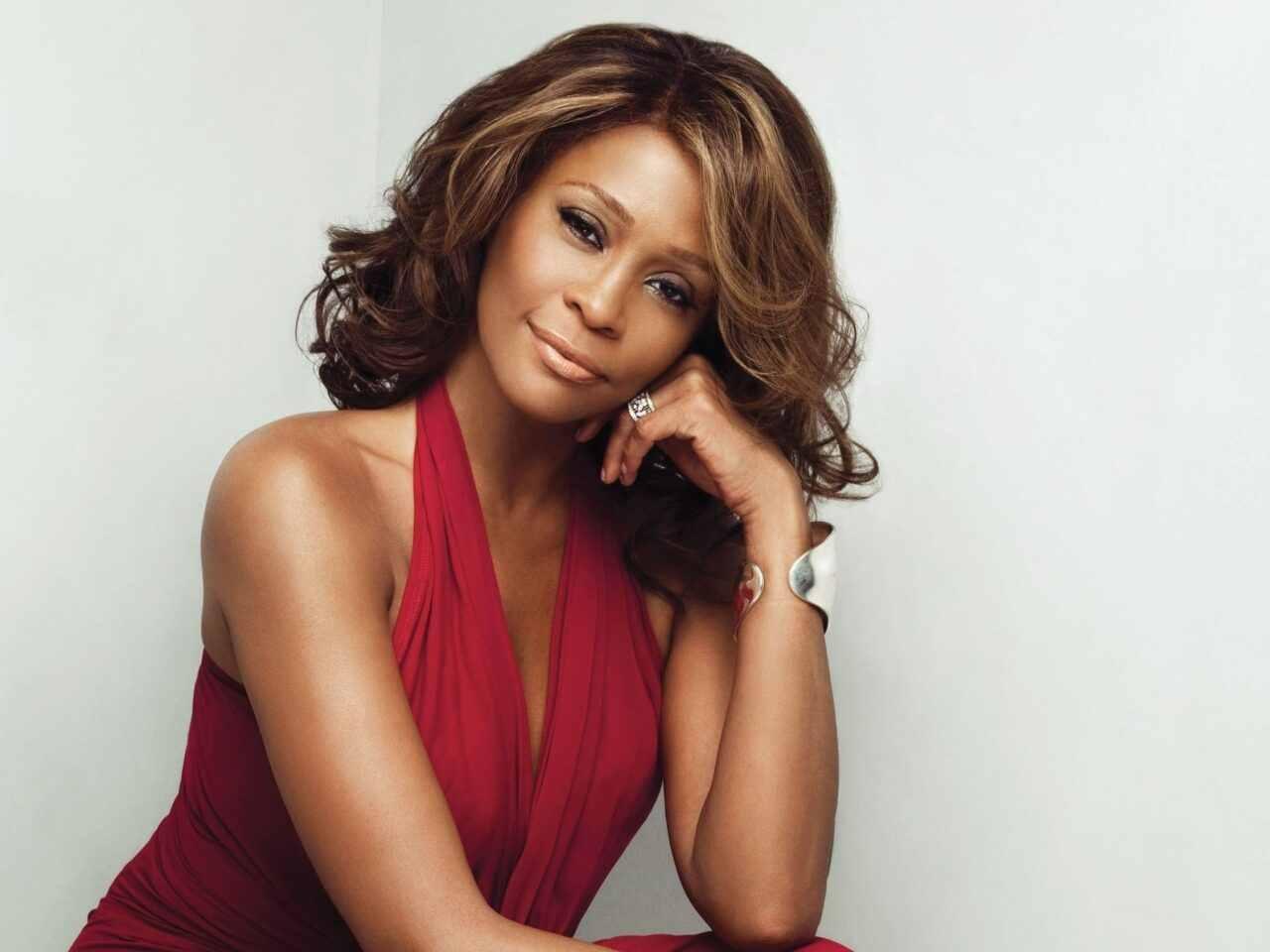 http://2.bp.blogspot.com/-JnxLZ55-kG8/TzcxiYBXsPI/AAAAAAAACOI/kW8vd3YIj0M/s1600/Whitney-Houston-006.jpg