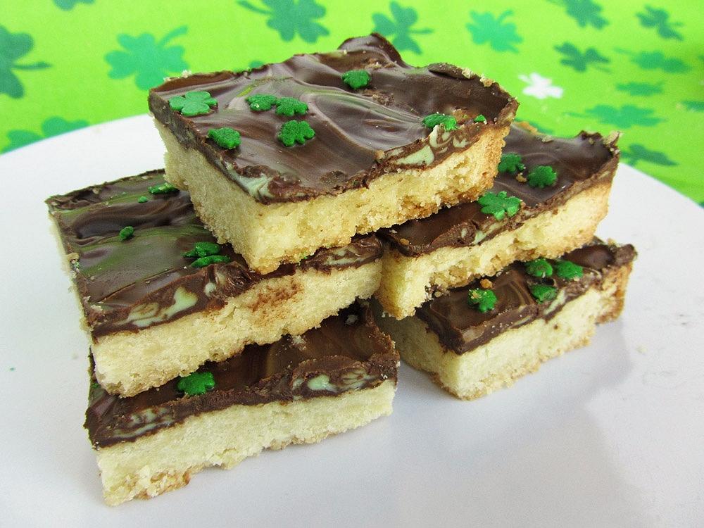 mint chocolate bark cookies