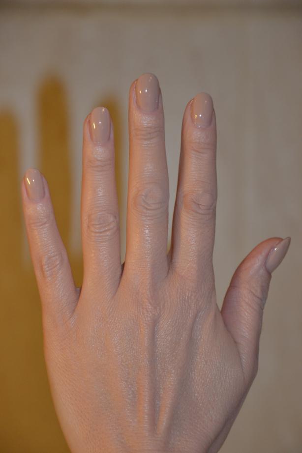 Wzory na paznokciach - kratka