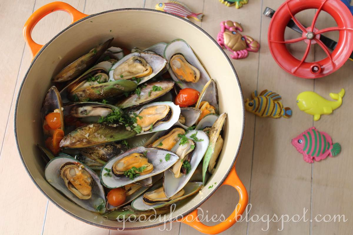 mussels sake steamed mussels mussels with pancetta and vermouth beer ...