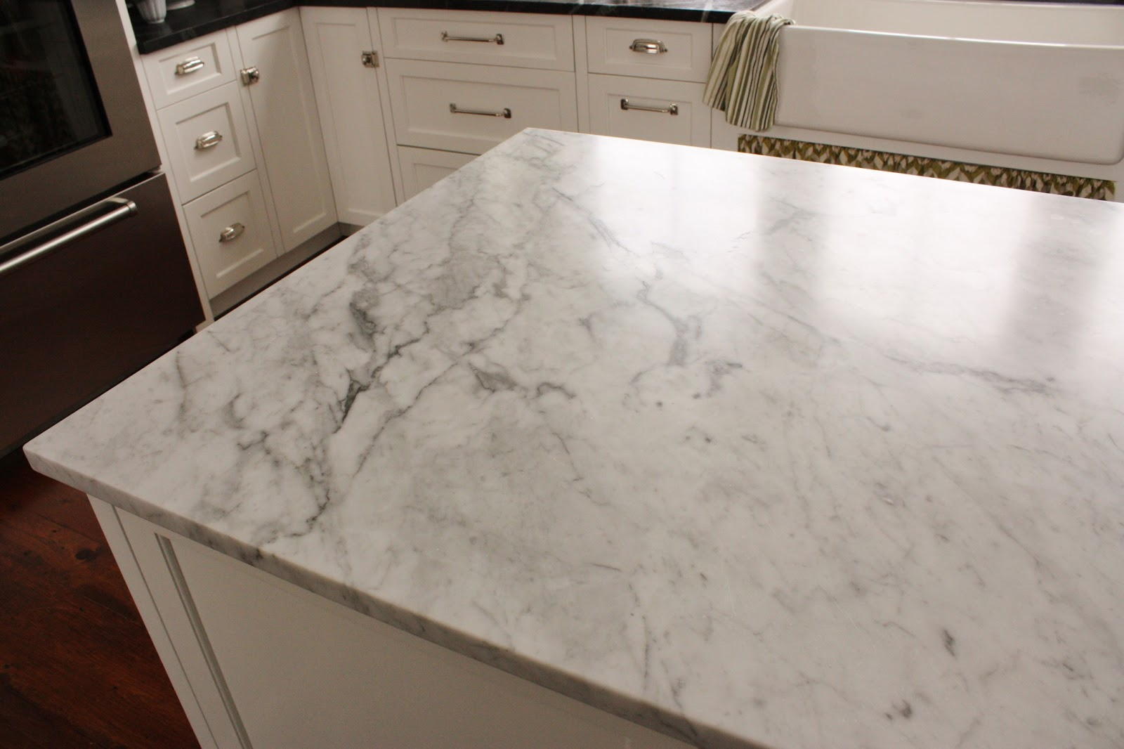 Carrara Marble Quartz Countertops That Look Like