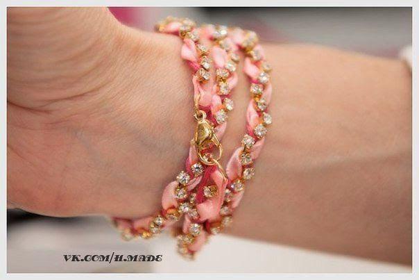 Делаем красивый браслет своими руками.