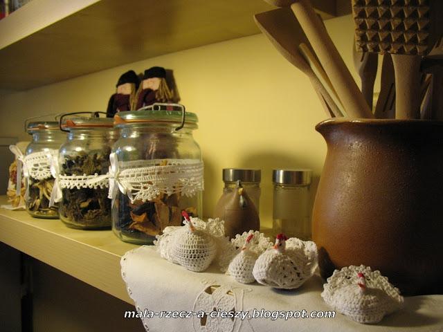 Ręcznie robione drobiazgi zdobią kuchnię - gościnnie u Marylki