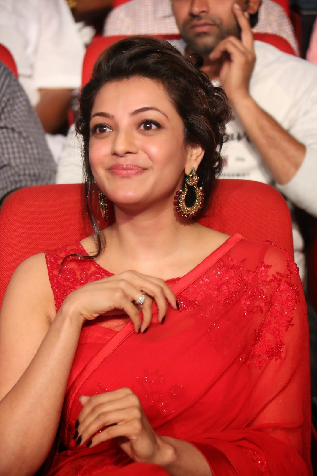 High Quality Bollywood Celebrity Pictures: Kajal Agarwal