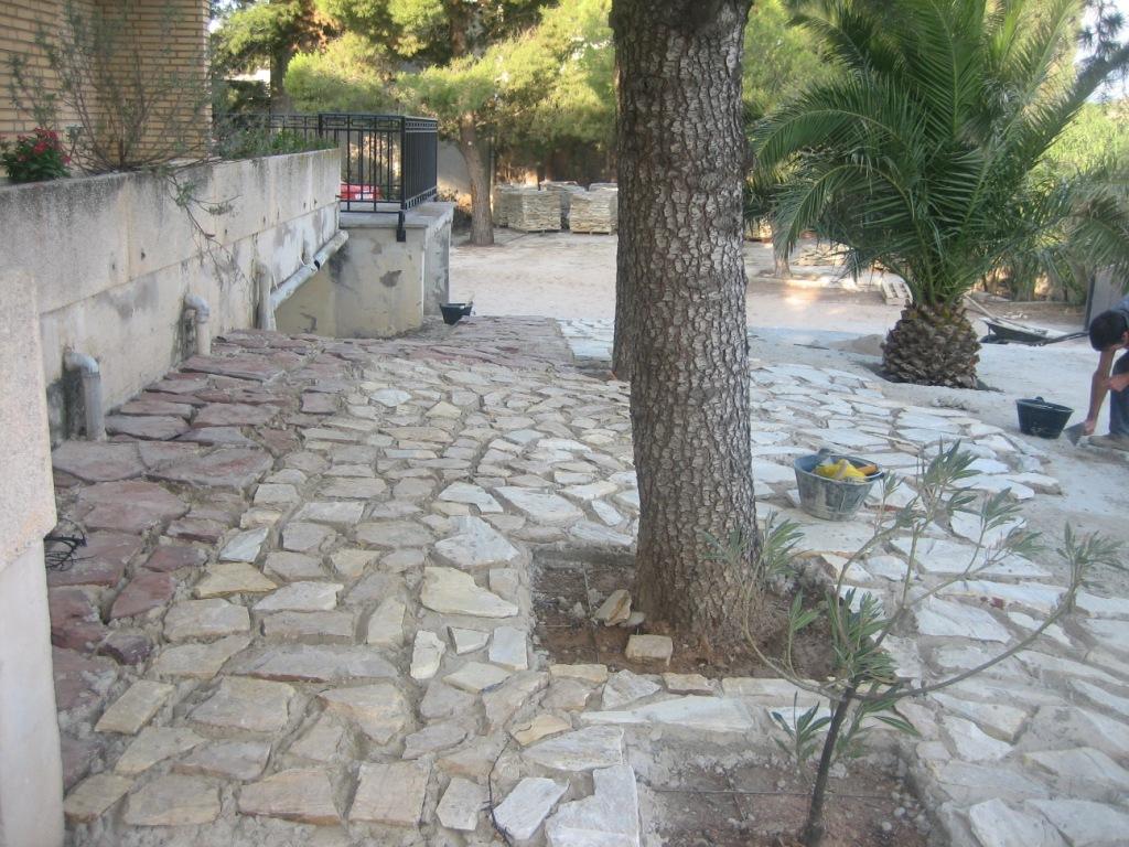 El maestro de obras xavier valderas hacer un embaldosado - Como hacer un suelo de hormigon ...