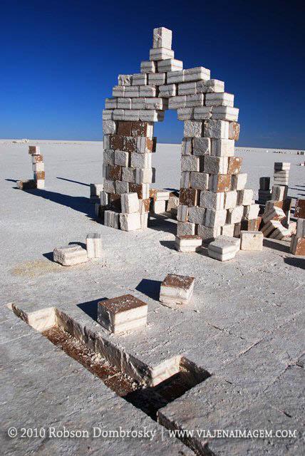 blocos de sal para construção de hotéis no salar
