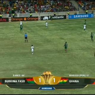 تشتعل المباراة بعد هدف التعادل  غانا 1 - 1 بوركينا فاسو تعليق : عصام الشوالي