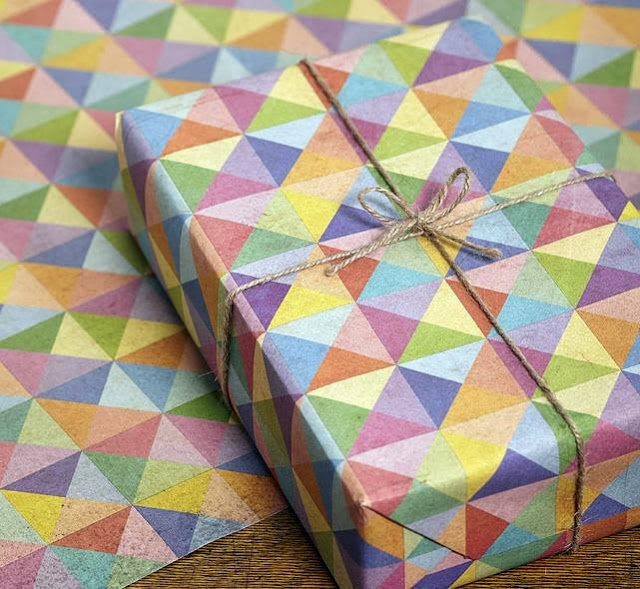 Pyramid Gift Wrap Set