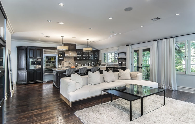 My first little place jeff lewis los feliz gem for Jeff lewis living room designs