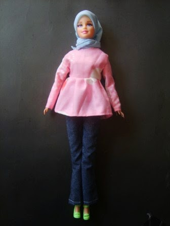 Gambar boneka barbie muslim download